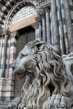 Lion devant la Cathédrale San Lorenzo