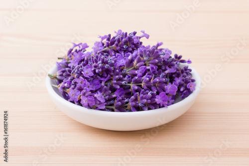Aluminium Lavendel lavender blossoms / Porcelain bowl with lavender blossoms