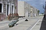 Kanonen mit Kugeln in der Fortaleza de San Carlos de la Cabaña