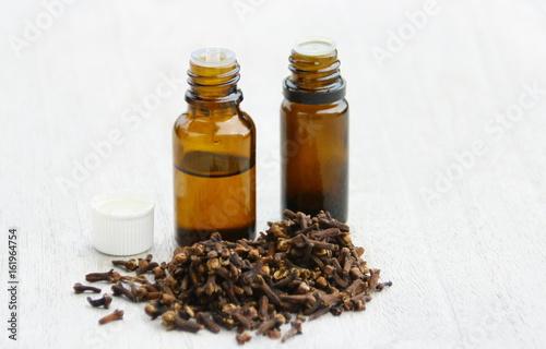 huile essentielle de clous de girofle,aromatique
