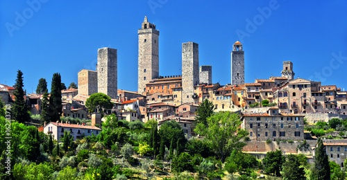 Deurstickers Toscane Panoramic view of San Gimignano in Tuscany, Italy