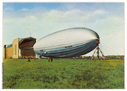 Poster Zeppelin LZ 130 - Postcard. Date: 1938