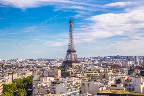 Fotobehang Eiffeltoren Summer view of Paris with Eiffel tower