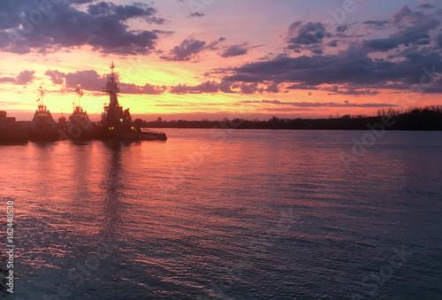 Tugboats in the coast of Parana River