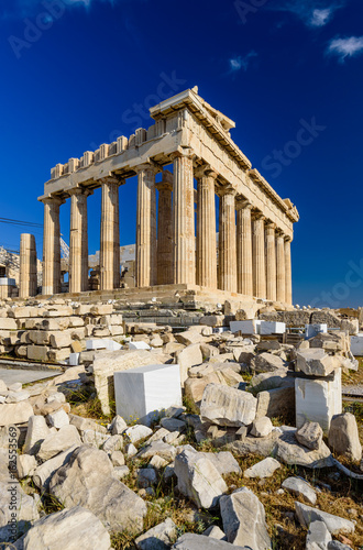 Fotobehang Athene Parthenon temple on a bright day. Acropolis in Athens, a popular tourist destination and historical landmark in Greece.