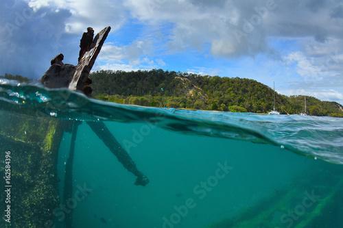 In de dag Schipbreuk epave de bateau sur l'île de moreton - queensland - australie