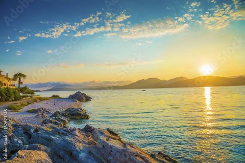 Papiers peints Morning Glory Beautiful sunrise over the sea in Lefkada beach, Greece