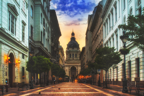 Saint Stephen basilica (Szent István-bazilika) in Budapest on sunrise