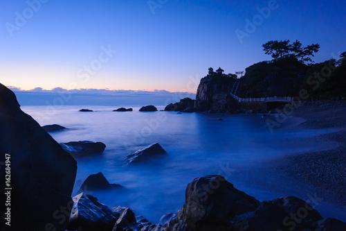 桂浜の夜明け