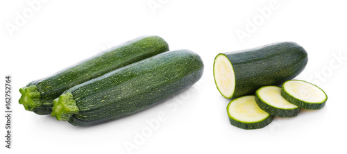 Spoed canvasdoek 2cm dik Verse groenten green zucchini vegetables isolated on white background