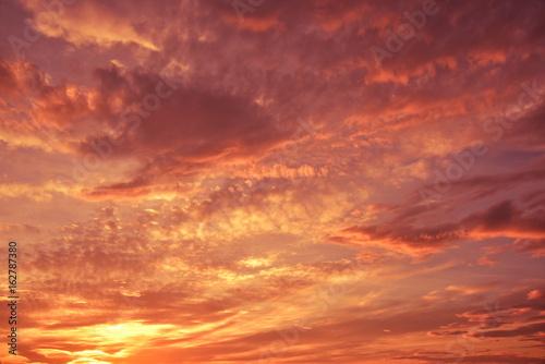 Foto op Canvas Baksteen 初夏の雨上がりの夕景と雲