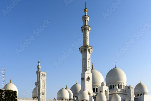 Beautiful View of Sheikh Zayed Grand Mosque in Abudhabi, United Arab Emirates.