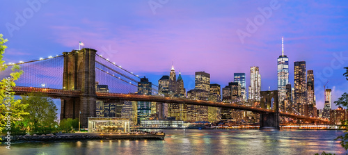 Brooklyn Bridge and Manhattan at sunset - New York, USA - 163076566