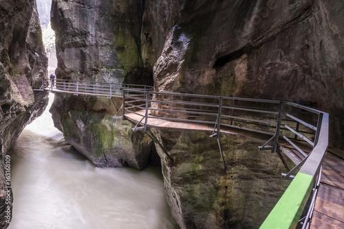 Aareschlucht im Haslital, Meiringen, Schweiz - 163168109