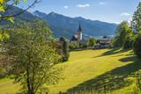 Autriche/ village de Piesendorf  et son église - 163178502