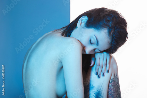 Plagát nude girl with tattoo