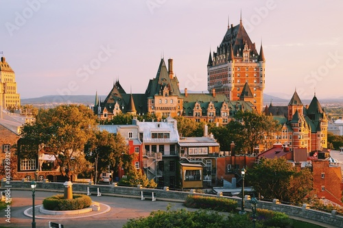 Staande foto India Frontenac Castle in Old Quebec City in the beautiful sunrise light. Travel, vacation, history, cityscape, nature, summer, hotels and architecture concept