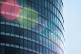 Fassade eines Bürogebäudes - 163589397