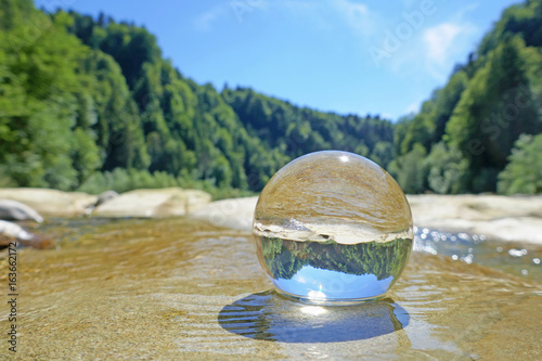 Papiers peints Rivière de la forêt kristallkugel, sense, bern, schweiz