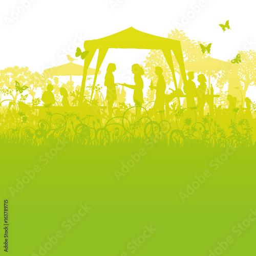 Großes Gartenfest im Garten - 163789715