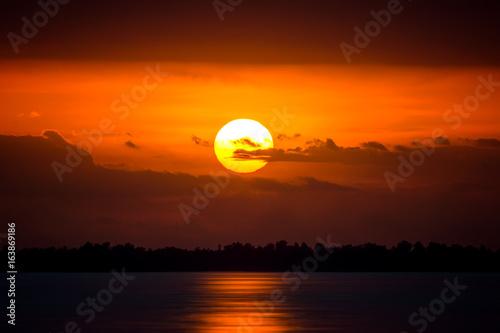 In de dag Ochtendgloren Sunset sky at the lake, Thailand.