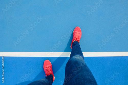 stand on tennis court floor