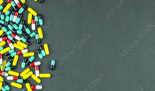 Tuinposter Apotheek Multicoloured medical pills