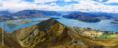Lake Wanaka -  Roys Peak © jiriH