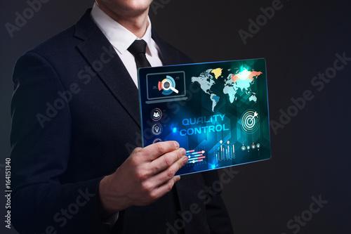 Qualitätskontrolle - Poster, Kunstdrucke bei EuroPosters