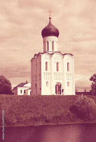 Foto op Aluminium Crimson Church of Intercession on River Nerl