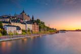 Sztokholm. Obraz starego miasta Sztokholm, Szwecja podczas zachodu słońca.