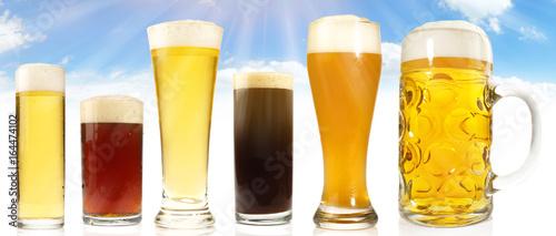 Biersorten mit Himmel im Hintergrund - 164474102