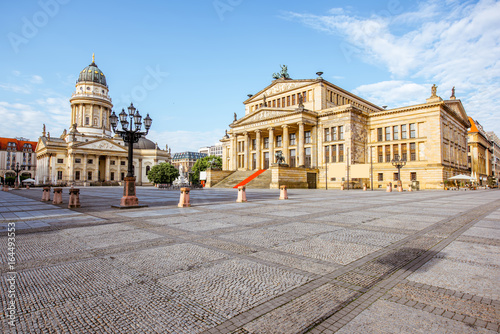 Plexiglas Berlijn Viiew on the Gendarmenmarkt square with concert house building and German cathedral during the morning light in Berlin city