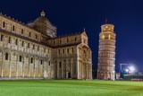 Bazylika i wieża pochylona w Pizie we Włoszech