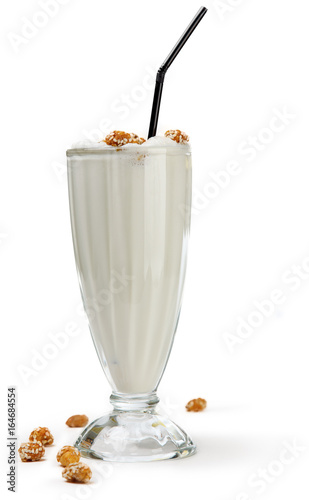 Fotobehang Milkshake milkshake in glass goblet