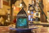 Lámpara árabe en una tetería