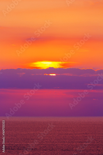 Foto op Aluminium Crimson Scenary of Sunset at the sea.