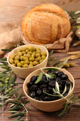 green and black olives - 164703549