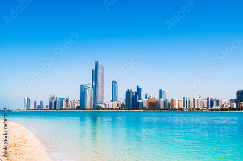Foto op Canvas Abu Dhabi Abu Dhabi sky line and city scene
