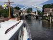 mit dem Motorboot durch Holland - 164860523