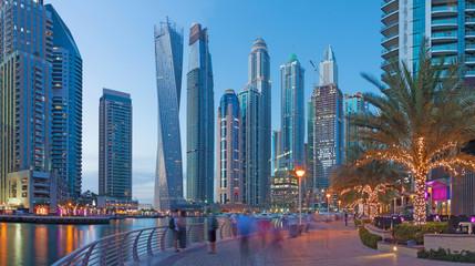Dubai - The evening Marina promenade.