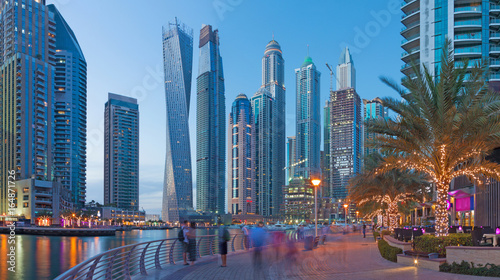 Dubai - The evening Marina promenade.