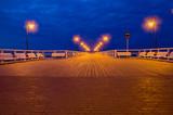 Molo na Gdyni nad Morzem Bałtyckim we wczesnych godzinach porannych.