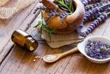 Globuli mit Lavendel