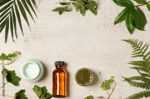 green cosmetic arrangement © Anna Khomulo