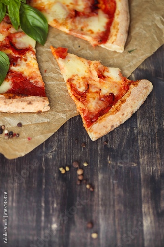 Pizza - 165435326