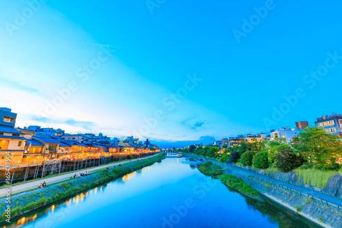 京都 夏の鴨川風景