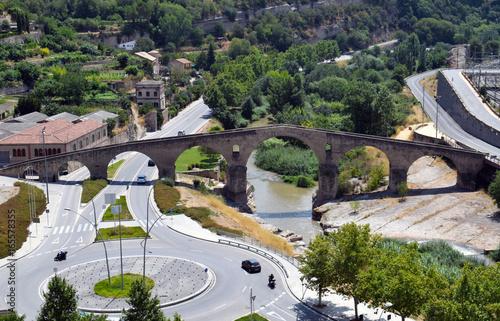 Tuinposter Rio de Janeiro Puente viejo de origen romano situado en Manresa Barcelona