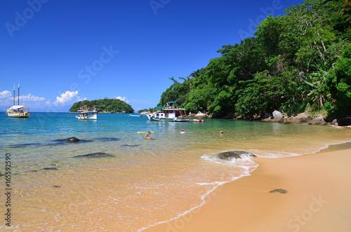 Foto op Aluminium Tropical strand Praia Vermelha com barcos