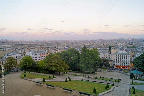 vista aerea di Parigi al tramonto